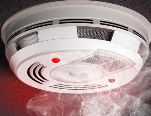 [ 369 ] – Visās privātmājās un dzīvokļos jābūt uzstādītiem dūmu detektoriem